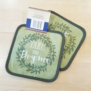 Other - 2/ $12 Take your thyme green pot holders